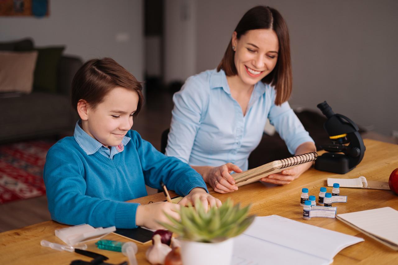 Mães empreendedoras: como conciliar a gestão dos filhos e da empresa?